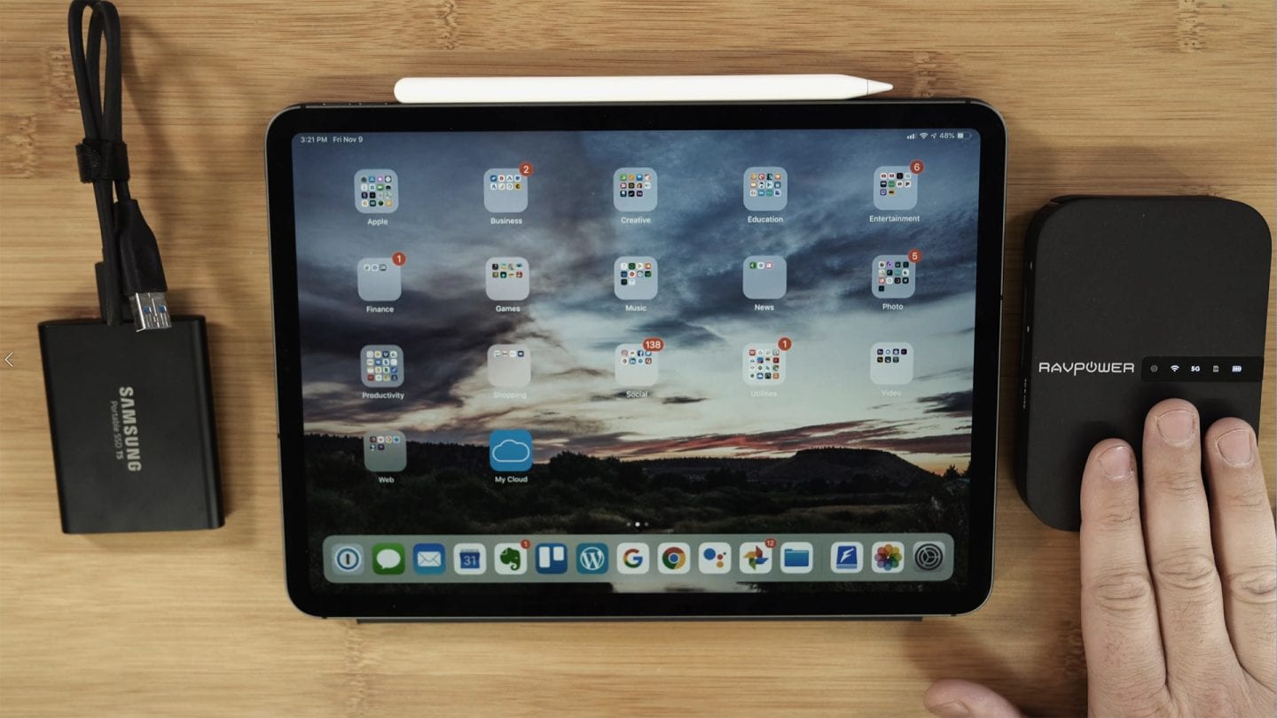 can you hook up an sd card to an ipad